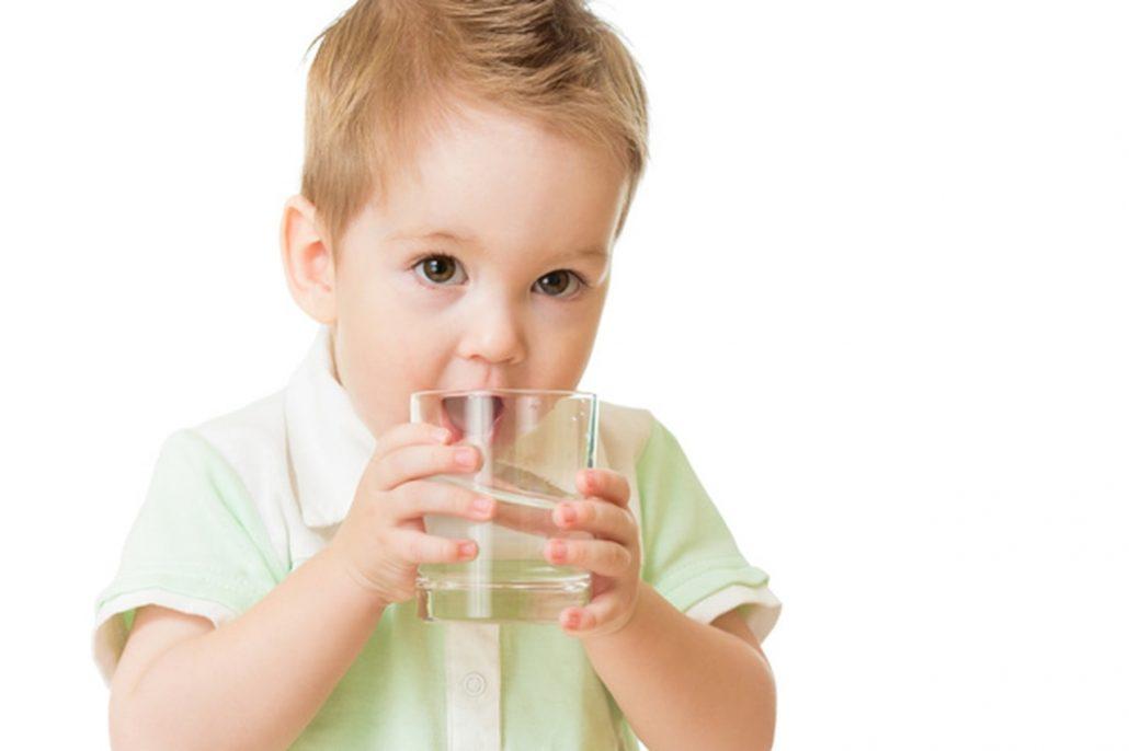 Nên dùng nước khoáng Lavie cho bé lúc nào